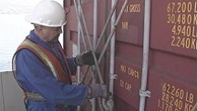 Container Lashing and De-Lashing: Safety First!